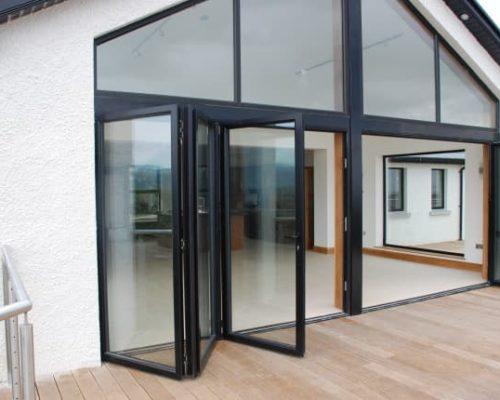 Пластиковая дверь-гармошка из 6 секций 6х4 м